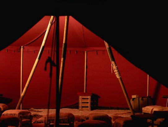 15 Jahre Erzählwerkstatt: Geschichten erzählen lernen und erleben im roten Zelt!