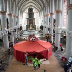 1800 Kinder pilgern zum Dom in Aachen